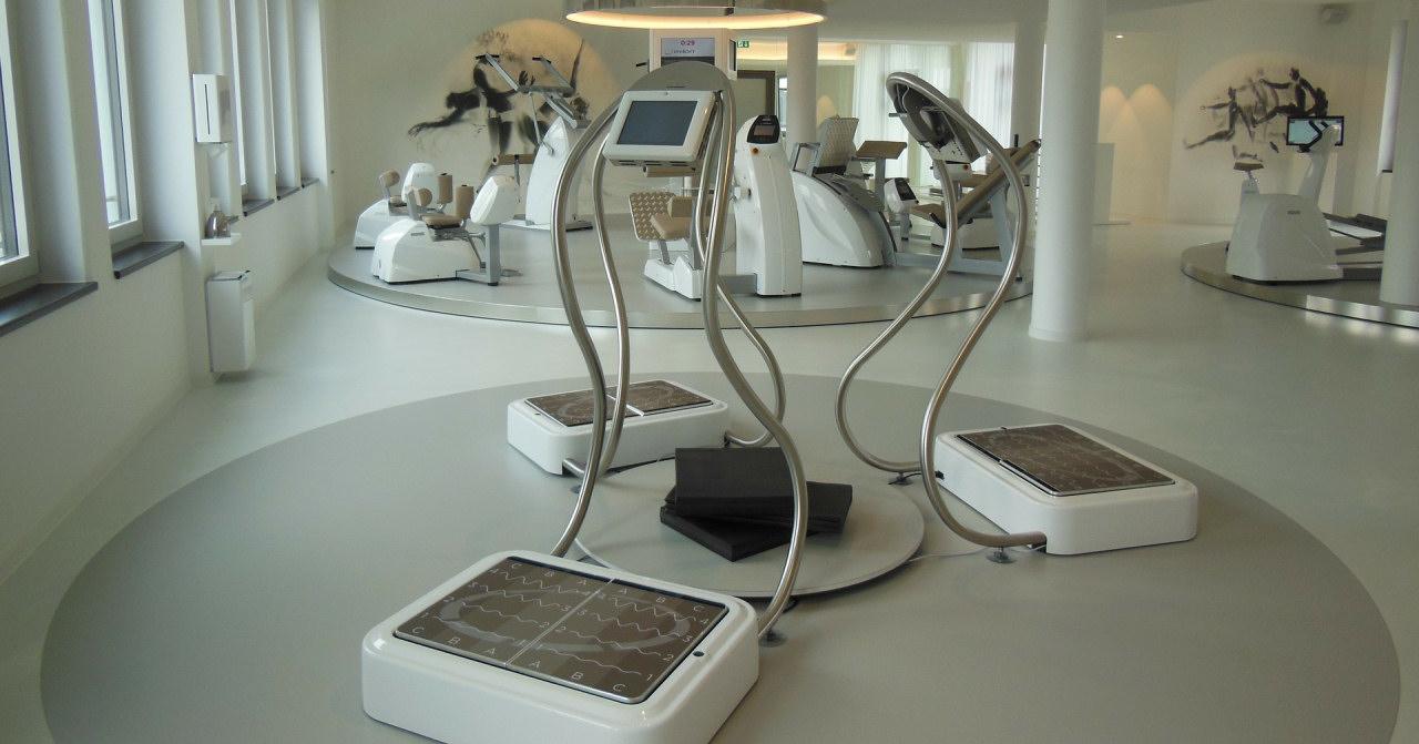Professionelle Vibrationsplatten im Fitnessstudio